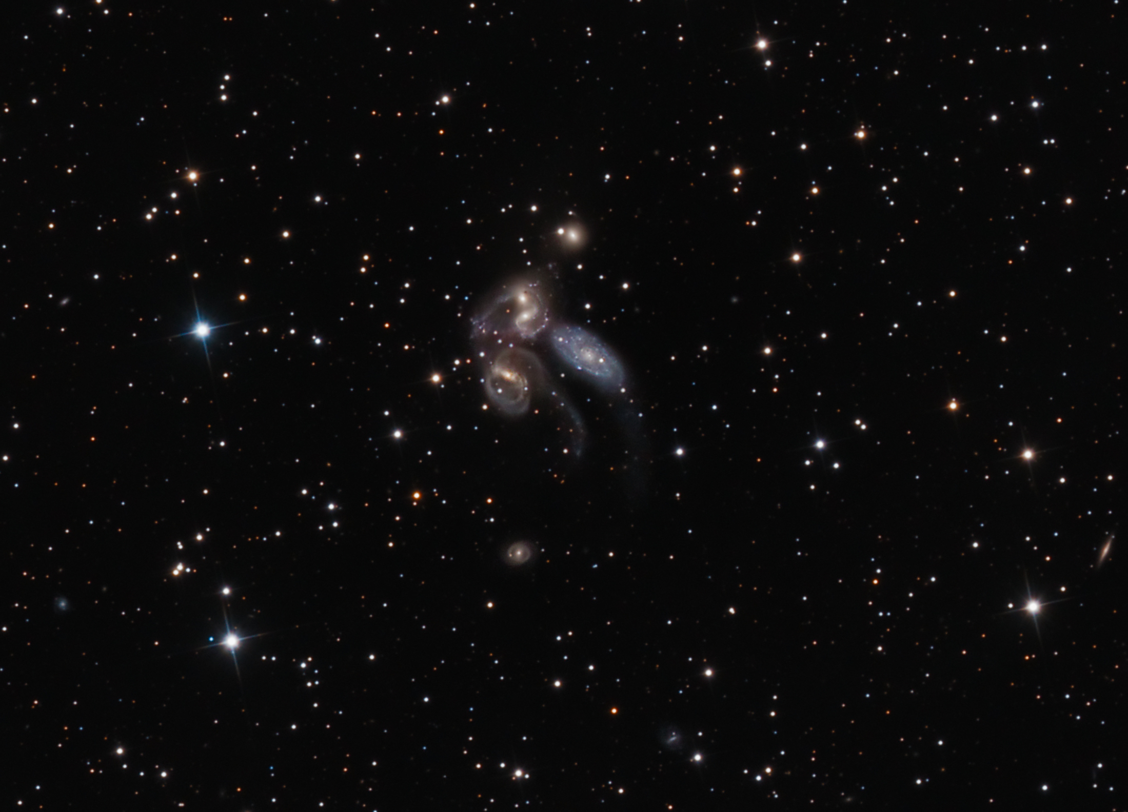 S And B Filters >> Stephan's Quintet